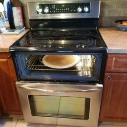The hot surface HE signal is displayed Frigidaire Range